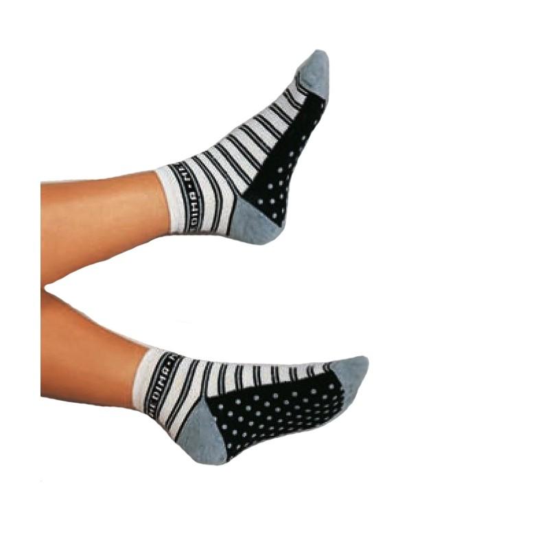 chaussettes antid rapantes femme isolent les pieds du sol. Black Bedroom Furniture Sets. Home Design Ideas