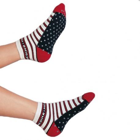 revendeur 5c62d b41e2 Chaussettes antidérapantes femme - isolent les pieds du sol